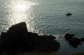 Gegenlichtaufnahme mit Fischerboot